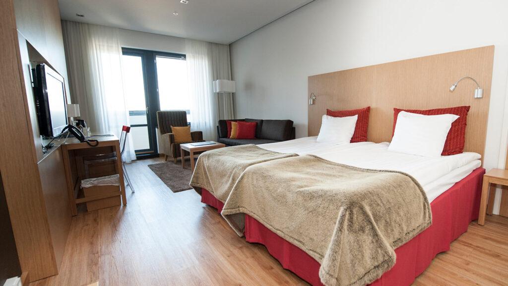 Viihtyisä ja tilava Superior hotellihuone Hotel Levi Panoramassa