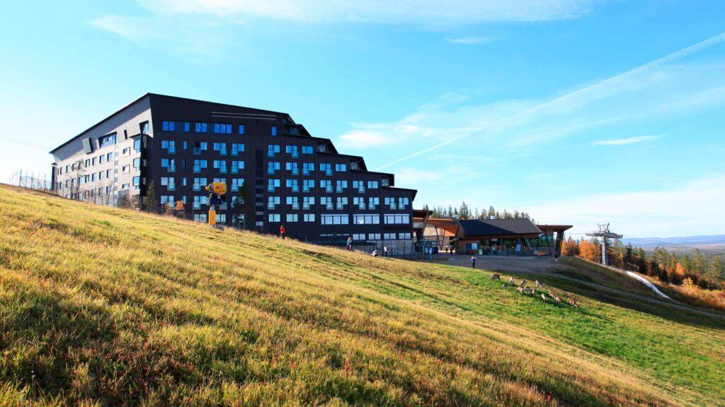Hotel Levi Panoraman upeat tunturimaisemat kesällä
