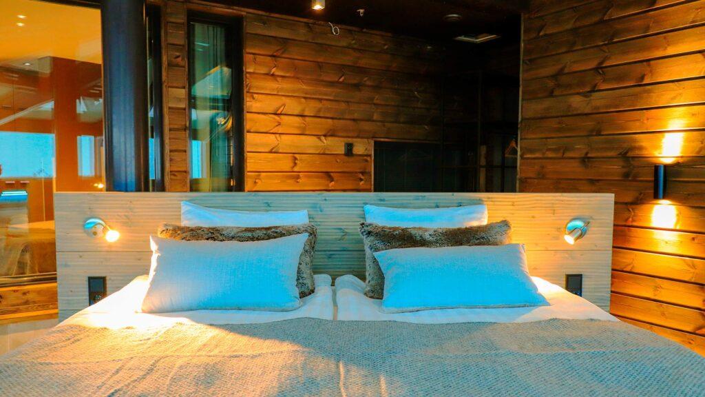 Sky Suite huoneen sänky Hotel Levi Panoramassa