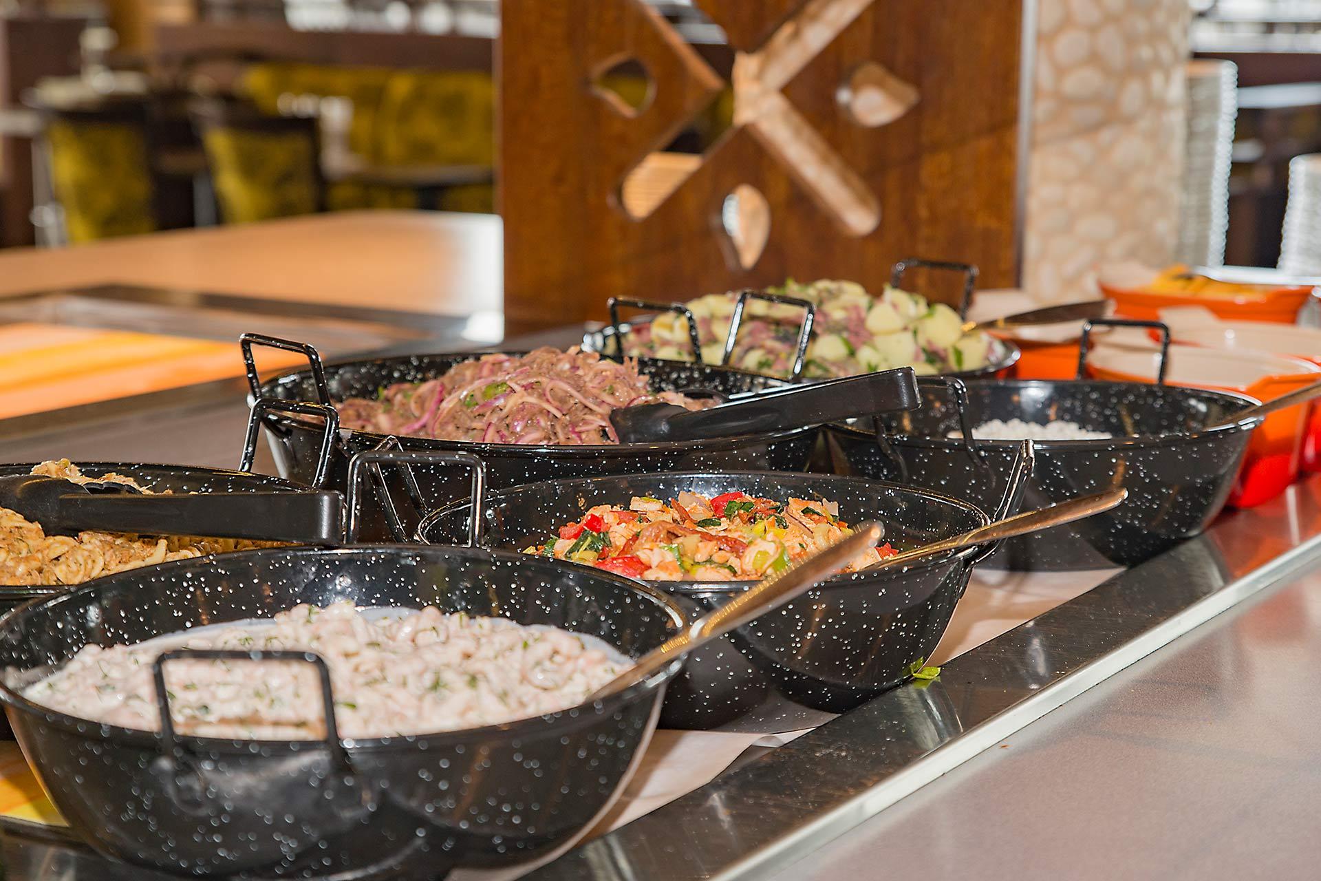 Lounasbuffet Levin rinneravintolassa Panoramassa.