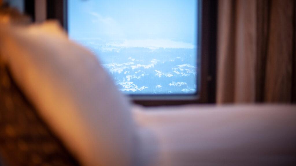 Hotel Levi Panoraman huoneista aukeaa näkymä Levin kylälle, tunturimetsään tai laskettelurinteisiin.