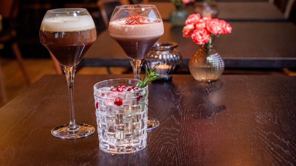 Ravintola Panoraman juoma- ja viinilistalta löytyy monipuolinen valikoima moneen makuun.